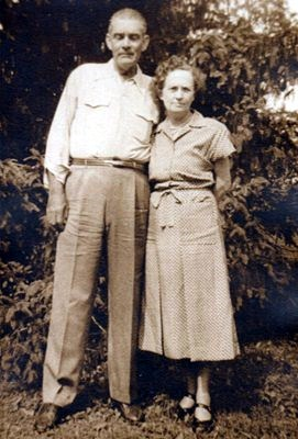 Claude and Edna Holt